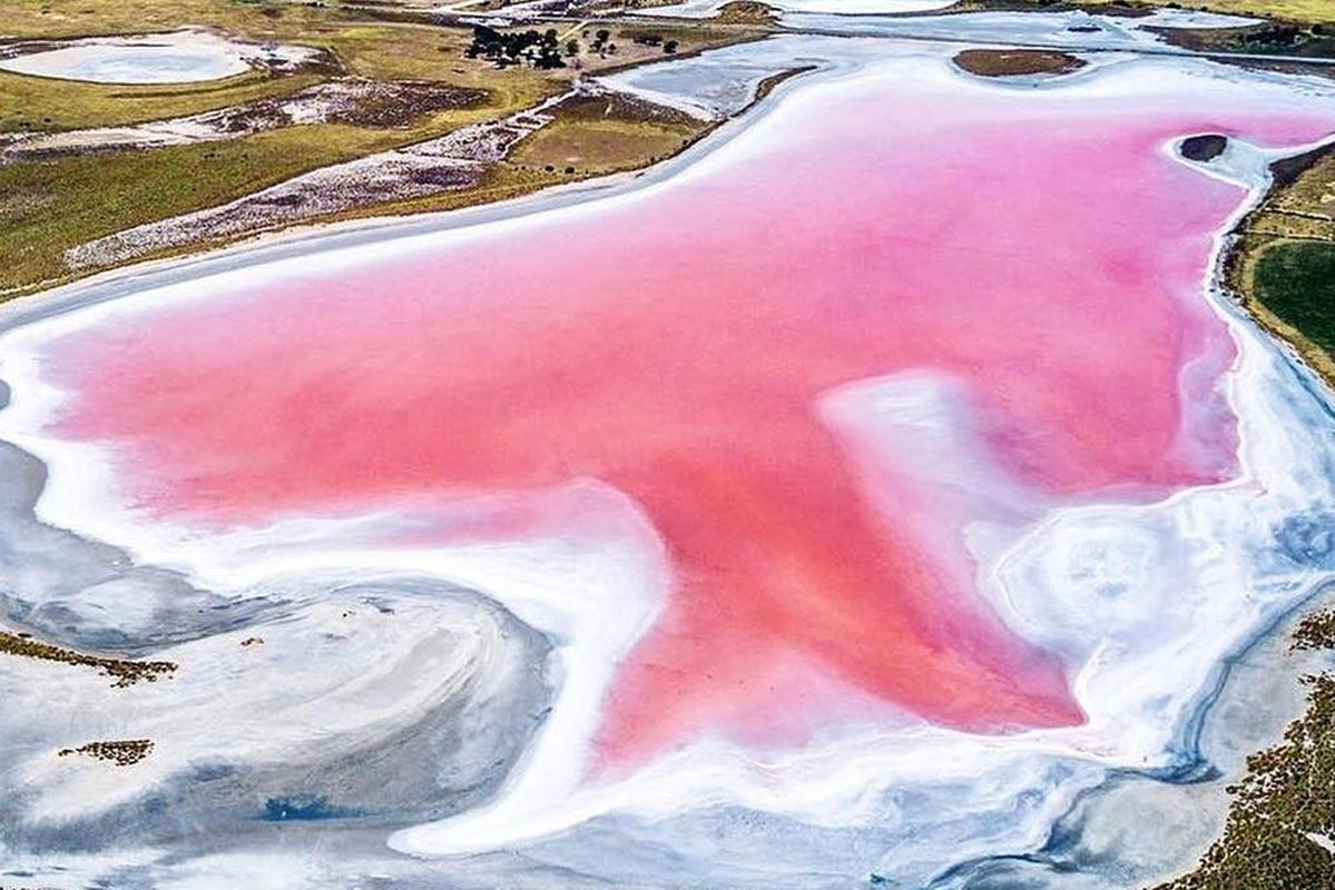 The Pink Lakes Of Australia - Why They're Pink and Where To Find Them